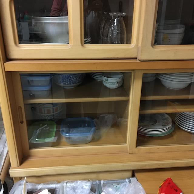食器棚整理